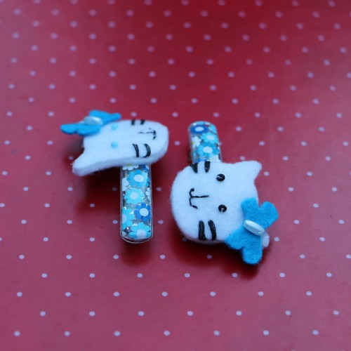 Light blue hello kitty felt hair pins