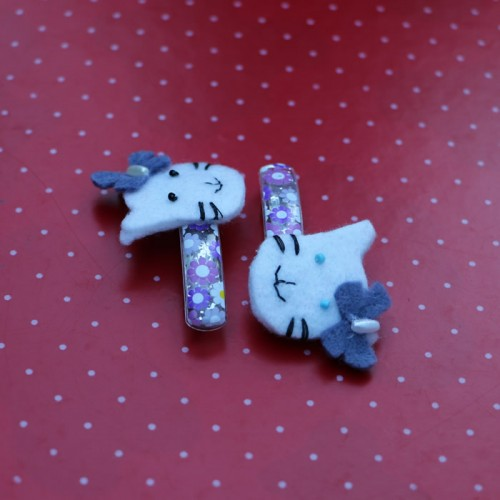 Blue hello kitty felt hair pins
