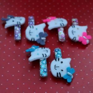 Multicoloured hello kitty felt hair pins